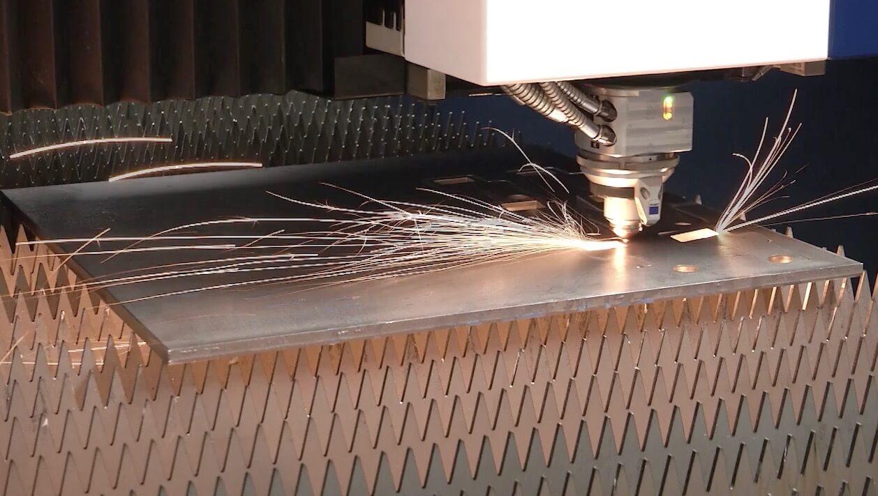 custom cutting steel sheet with TRUMPF 5030 fiber laser